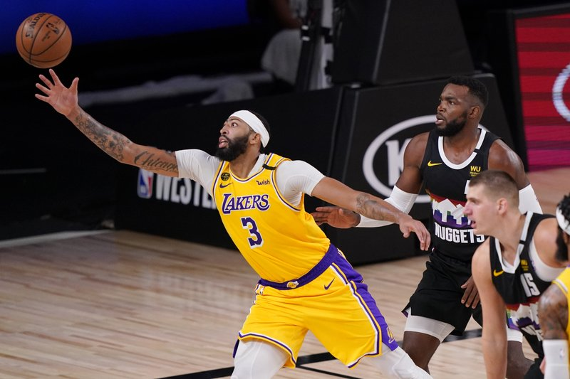 Davis anota 34; Lakers están a un triunfo de final de la NBA